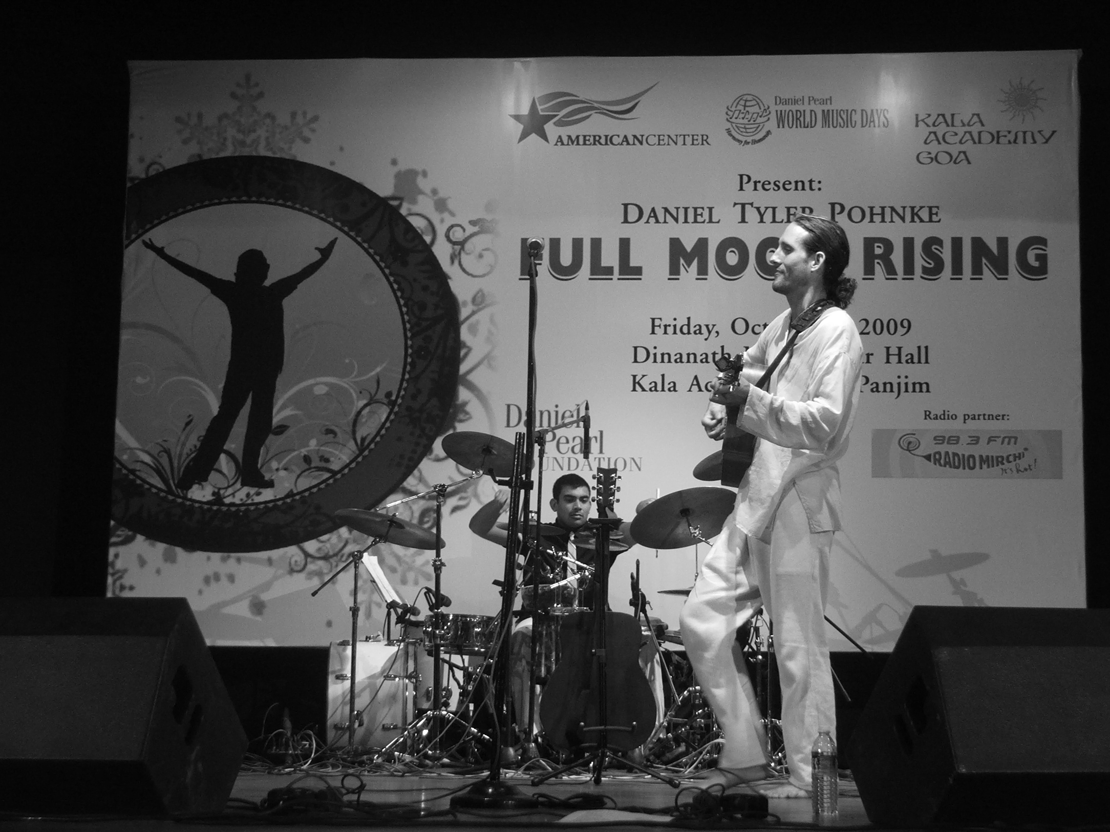 Full Moon Rising's Daniel Tyler Pohnke Live - Harmoney for Humanity 2009